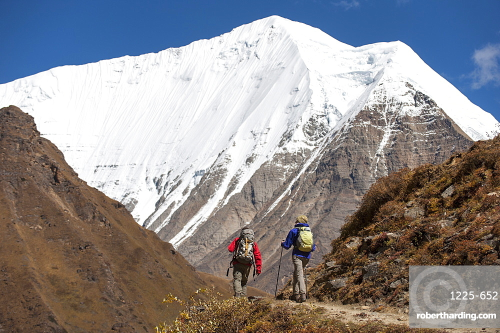 Trekking in the Kagmara Valley in the remote Dolpa region, Himalayas, Nepal, Asia