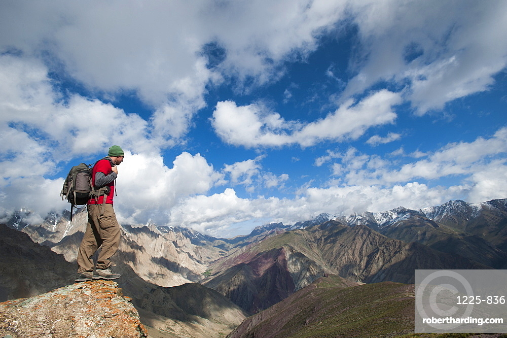 Admiring the spectacular views of Ladakh from the top of the Dung Dung La 4710m, Ladakh, northern India, Asia