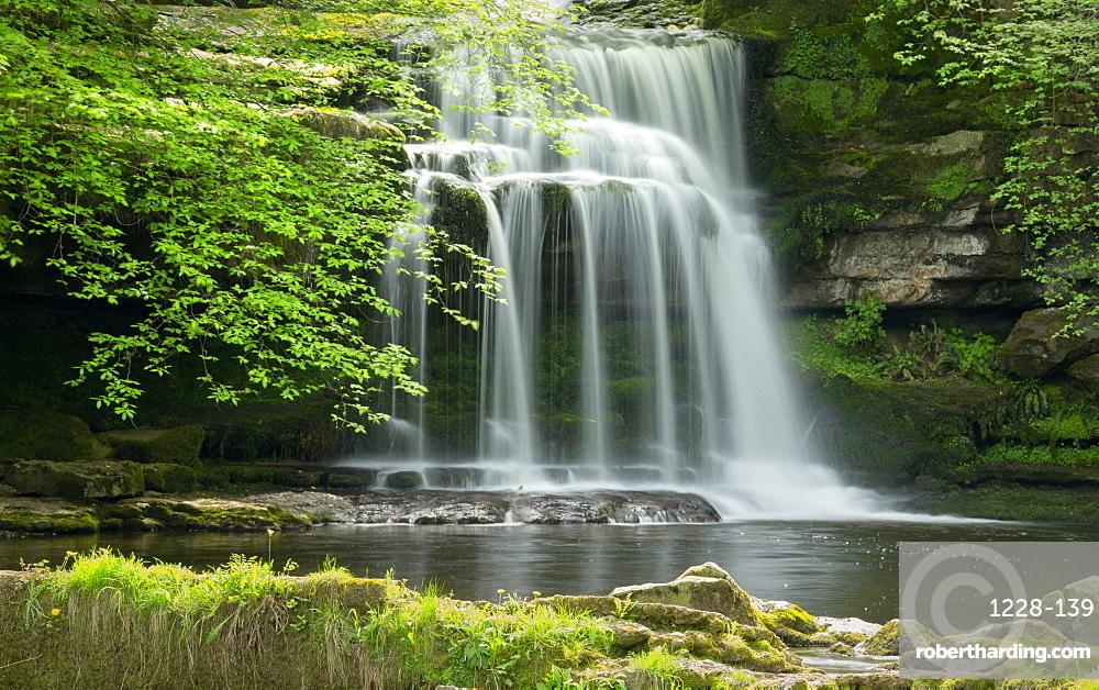 Waterfall, West Burton Village, Wensleydale, The Yorkshire Dales National Park, England, United Kingdom, Europe
