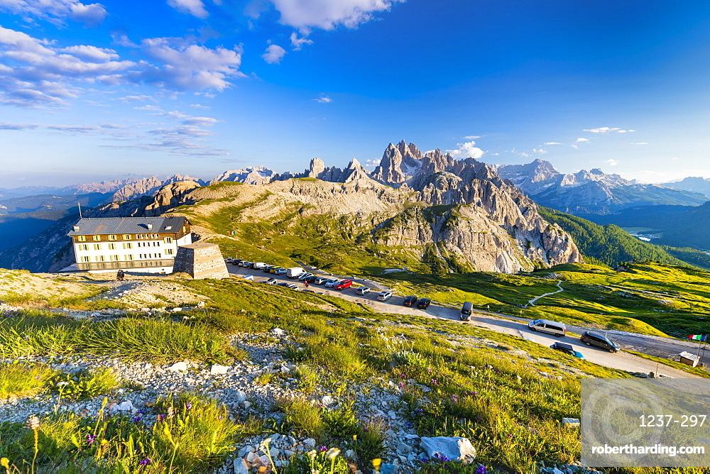 Rifugio Auronzo, Cadini mountain group (Cima Cadin), Dolomites, UNESCO World Heritage Site, Veneto, Italy, Europe.