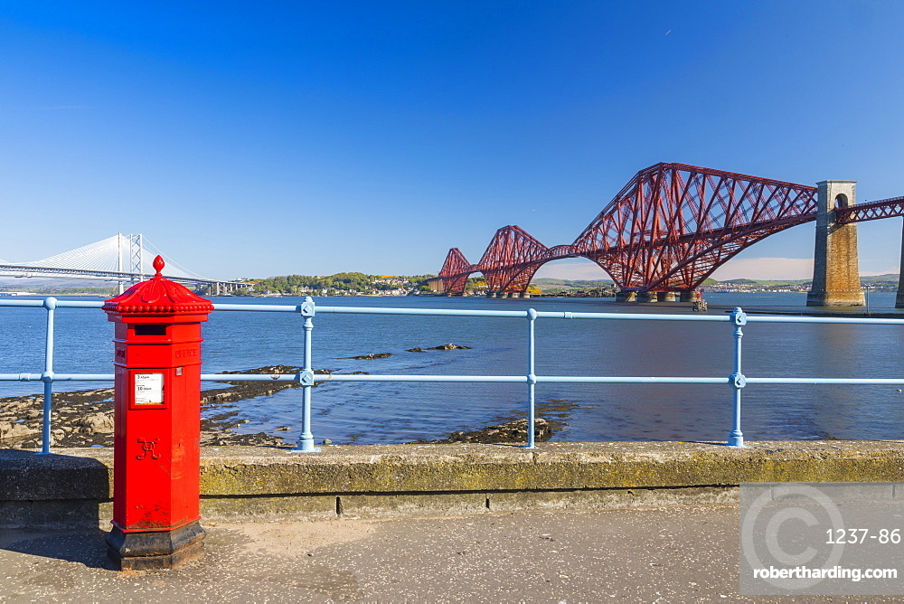 Post Box and Forth Railway Bridge, UNESCO World Heritage Site, Lothian, Scotland, United Kingdom, Europe