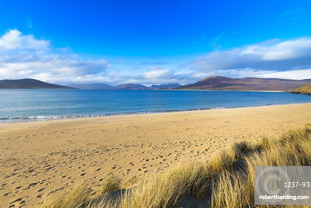 Horgabost beach, facing the island of Taransay, Isle of Harris, Outer Hebrides, Scotland, United Kingdom, Europe