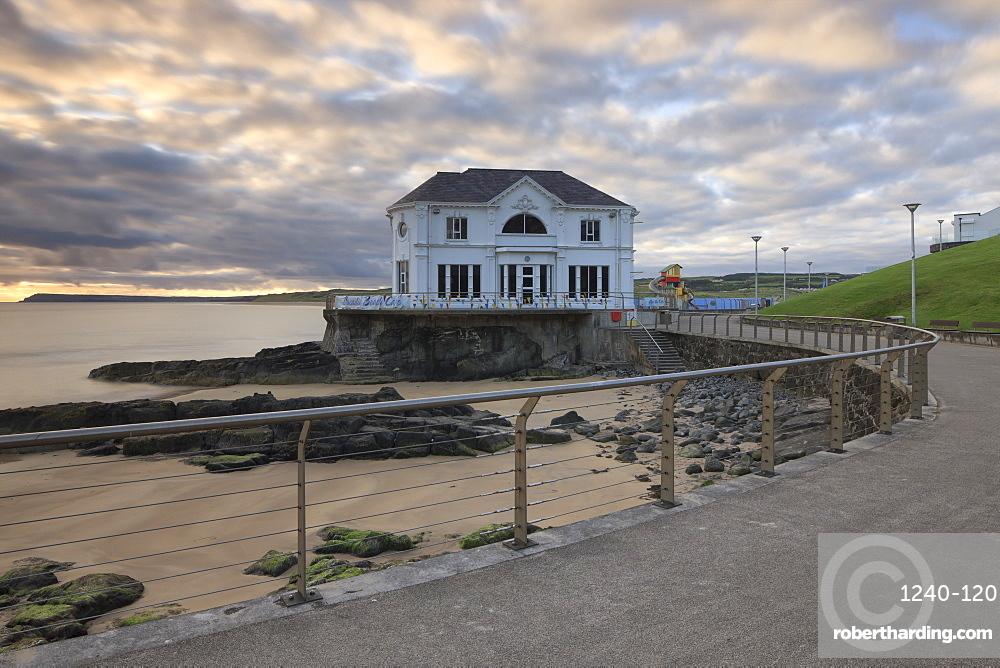Promenade and Arcadia Cafe, Portrush, County Antrim, Ulster, Northern Ireland, United Kingdom, Europe