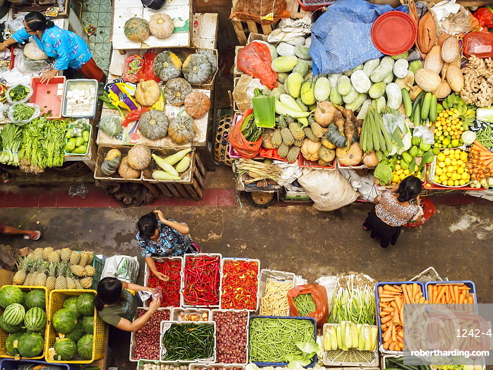 Covered market in Denpasar, Bali, Indonesia, Southeast Asia, Asia