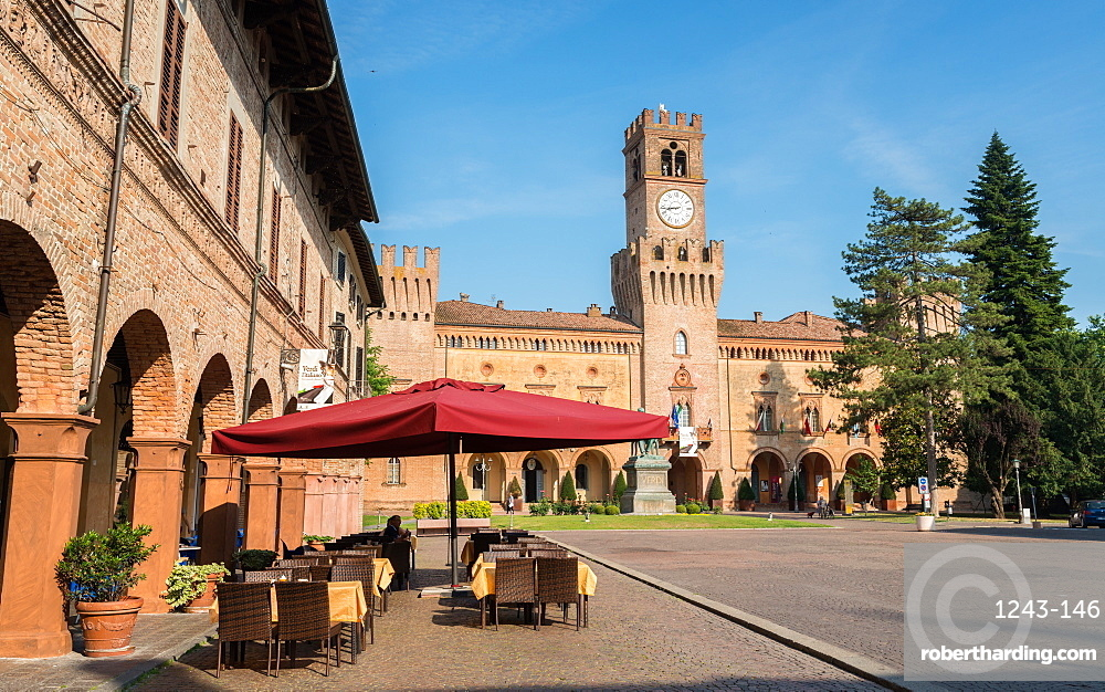 A cafe in Busseto, overlooking the Rocca Pallavicino, Busseto, Emilia-Romagna, Italy, Europe