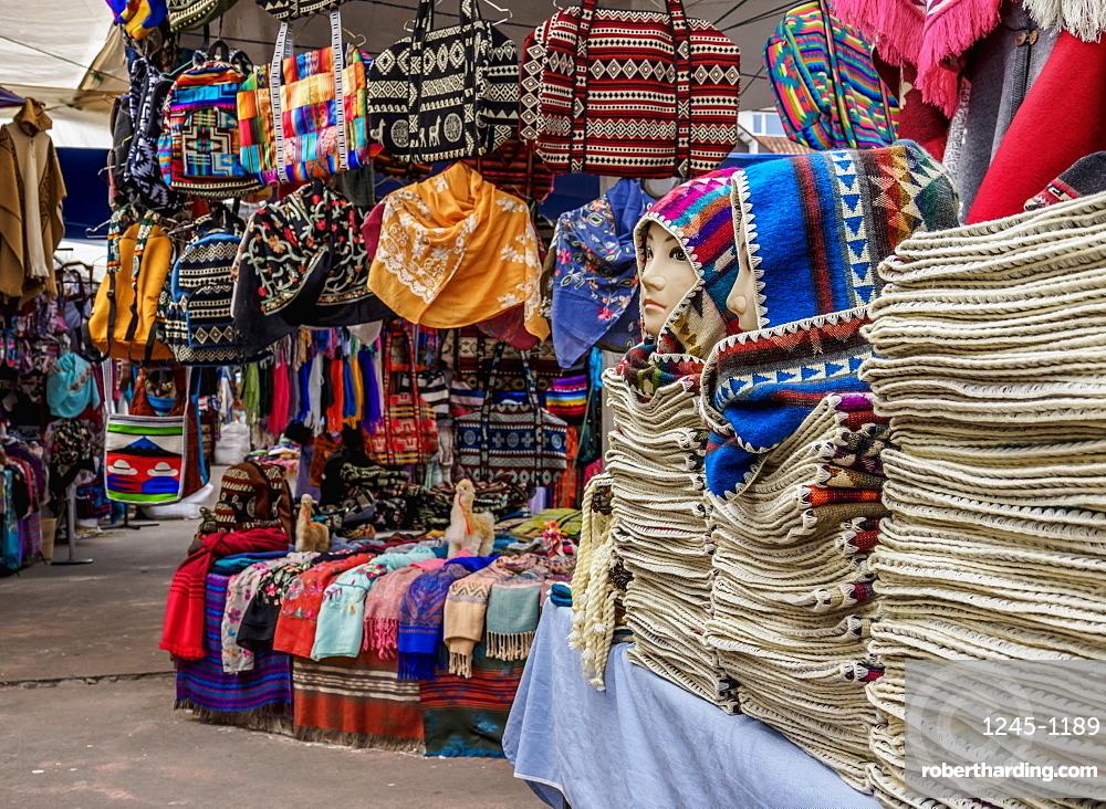 Saturday Handicraft Market, Plaza de los Ponchos, Otavalo, Imbabura Province, Ecuador, South America
