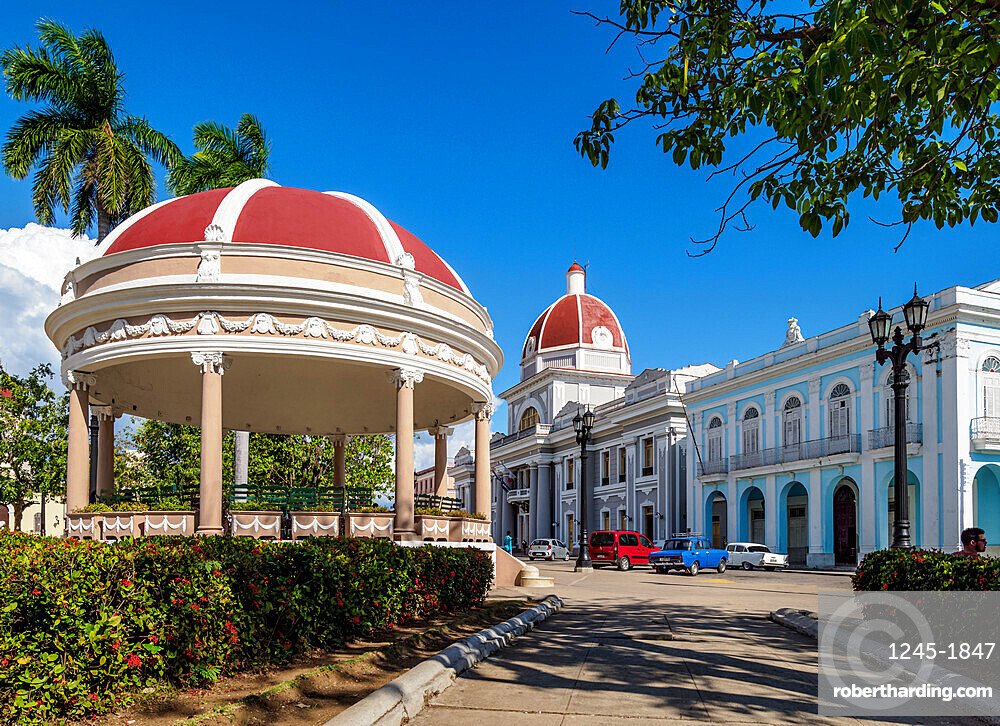 Jose Marti Park and Palacio de Gobierno, Main Square, Cienfuegos, UNESCO World Heritage Site, Cienfuegos Province, Cuba, West Indies, Caribbean, Central America