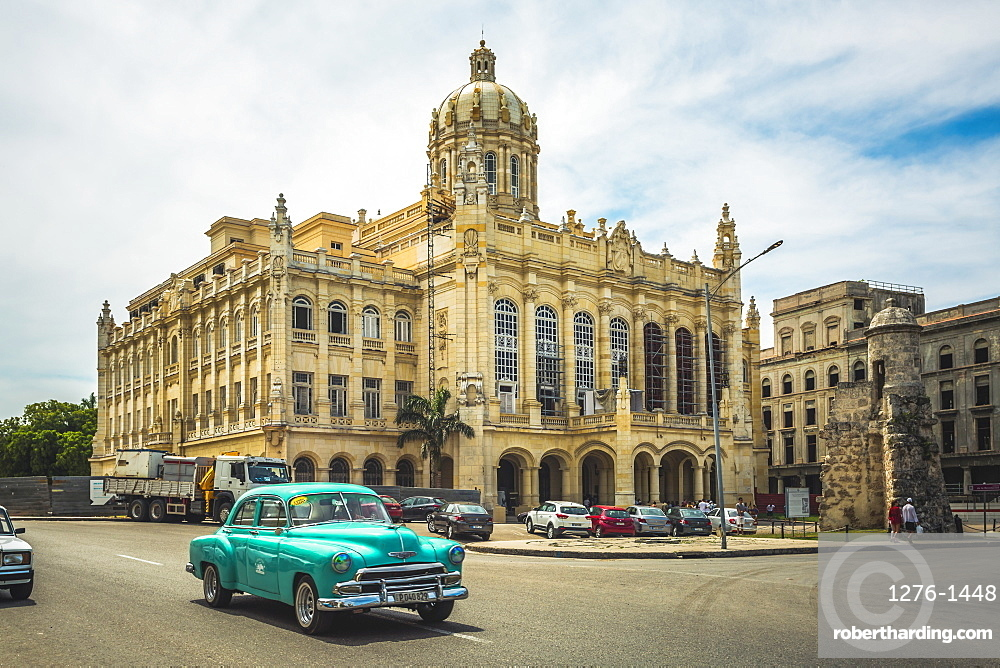 Old classic car and The former Presidential Palace, The Museum of the Revolution in Old Havana, Cuba, West Indies, Caribbean, Central America