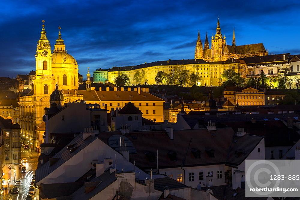 Prague Castle, St. Vitus Cathedral and St. Nicholas Church at dusk, UNESCO World Heritage Site, Prague, Bohemia, Czech Republic, Europe
