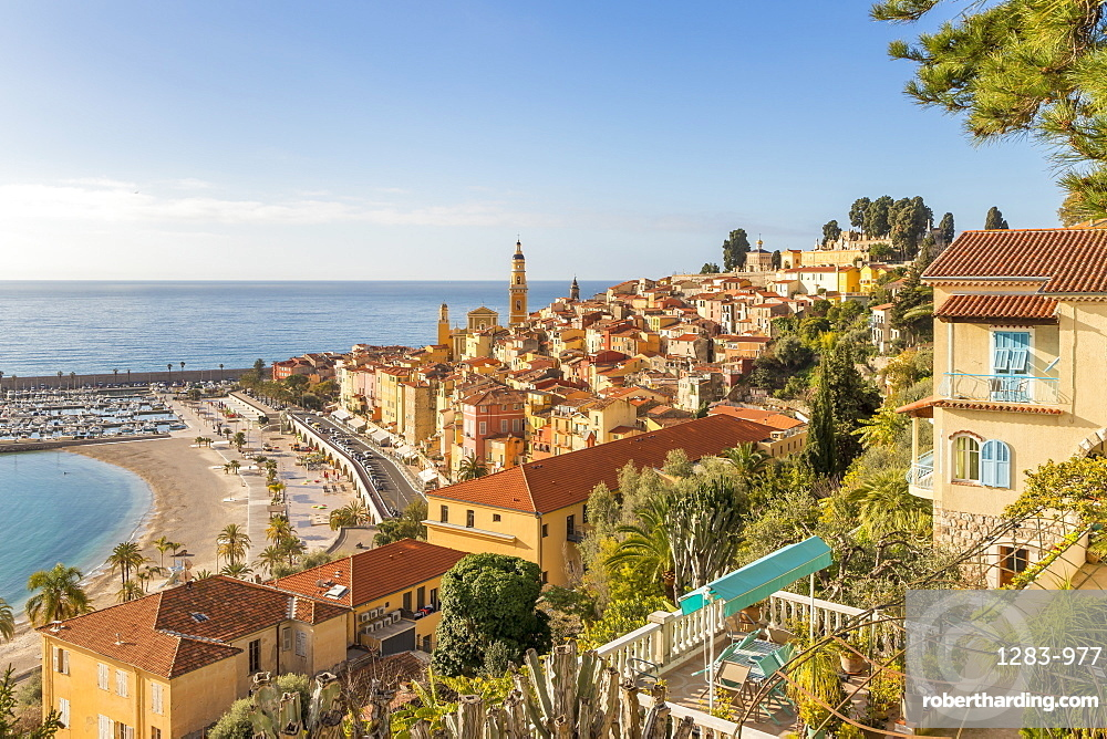 View from the Garavan Boulevard over the old town and the Sablettes beach, Menton, Cote d'Azur, French Riviera, France, Europe