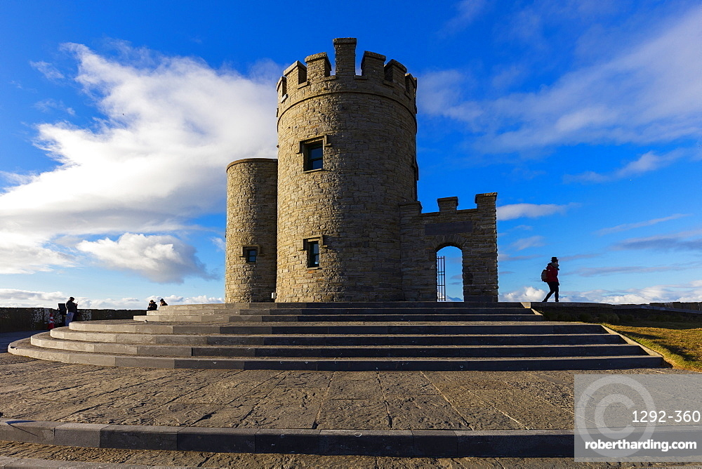 O'Brien's Tower, Cliffs of Moher, Cliffs Coastal Walk, County Clare, Munster, Republic of Ireland, Europe