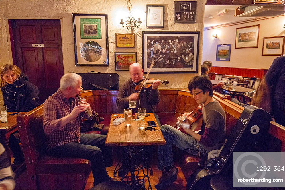 O'Connors Pub, Doolin, Cliffs Coastal Walk, County Clare, Munster, Republic of Ireland, Europe