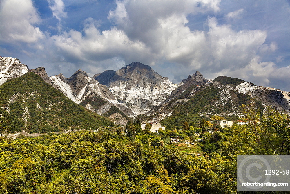 Marble quarries, Carrara, Tuscany, Italy, Europe