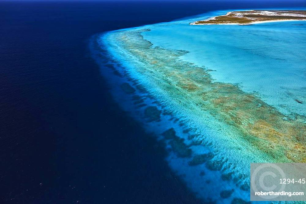 Conception Island northeast of Long Island with coral reef along the coast, Bahamas, West Indies, Central America