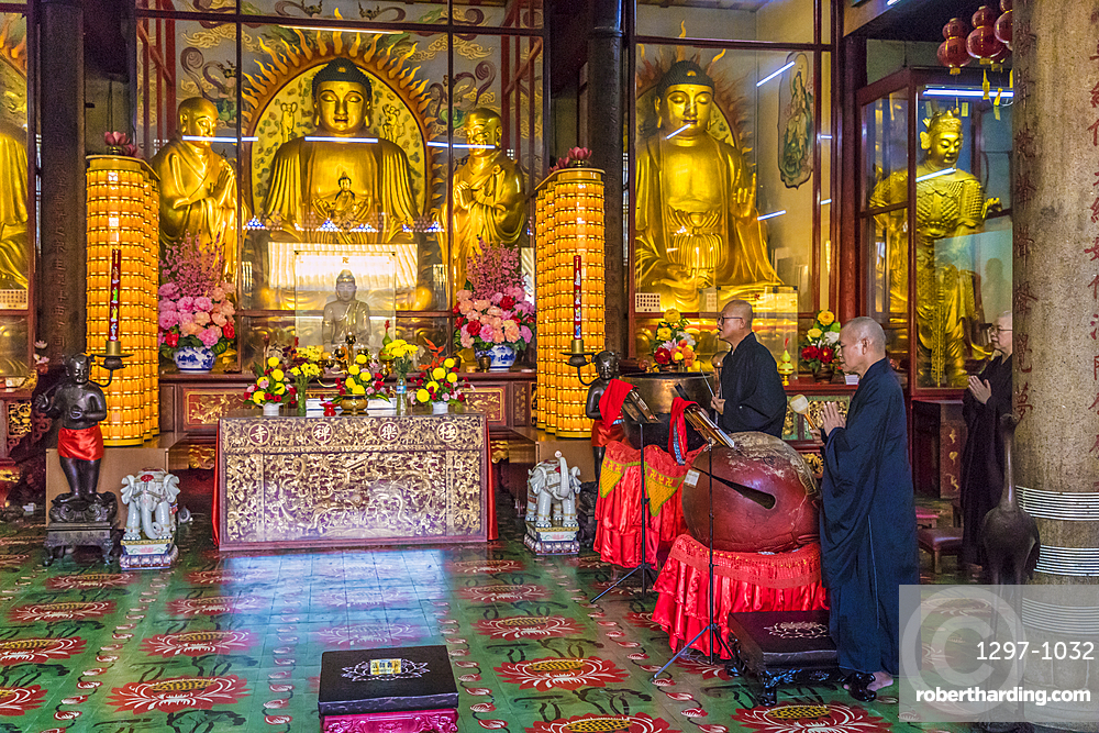 Monks at Kek Lok Si Temple, George Town, Penang, Malaysia, Southeast Asia, Asia
