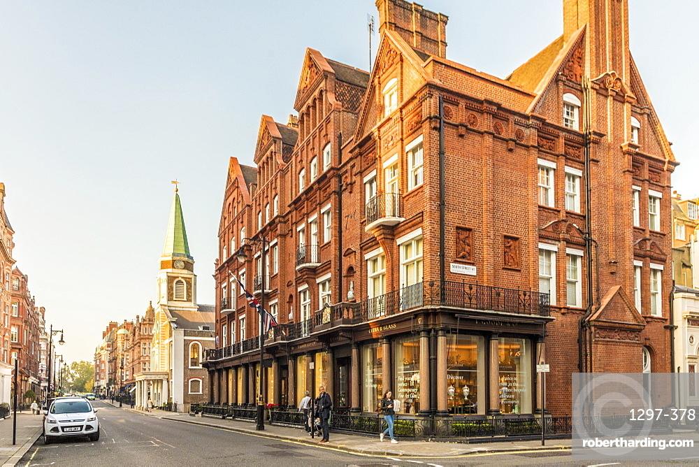Grand buildings in Mayfair, London, England, United Kingdom, Europe