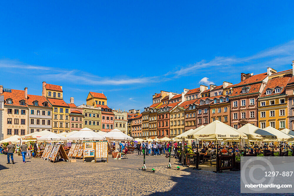 The colourful Old Town Market Place Square in the old town, a UNESCO World Heritage site in Warsaw, Poland Europe.
