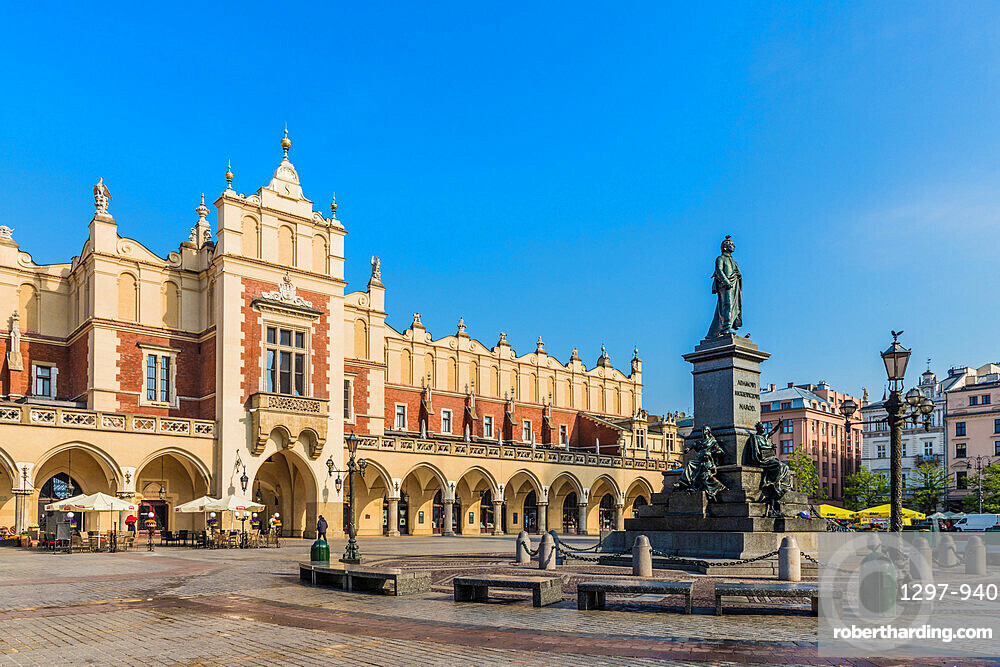 Cloth Hall & the Adam Mickiewicz Monument, in the Main Square, medieval old town, a UNESCO World site, in Krakow, Poland, Europe