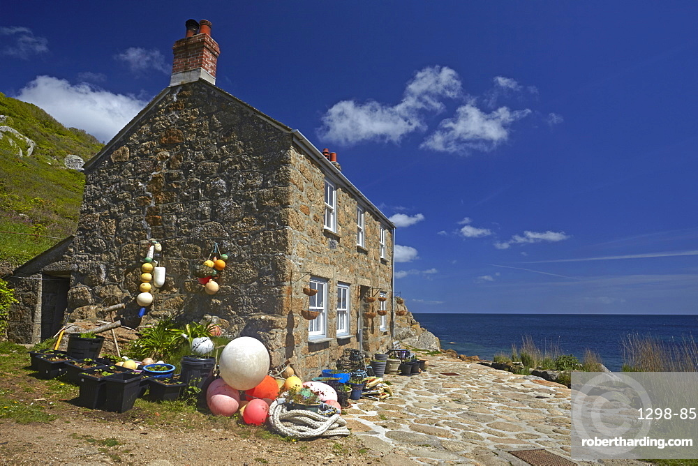 Fisherman's cottage at Penberth Cove, Cornwall, England, United kingdom, Europe