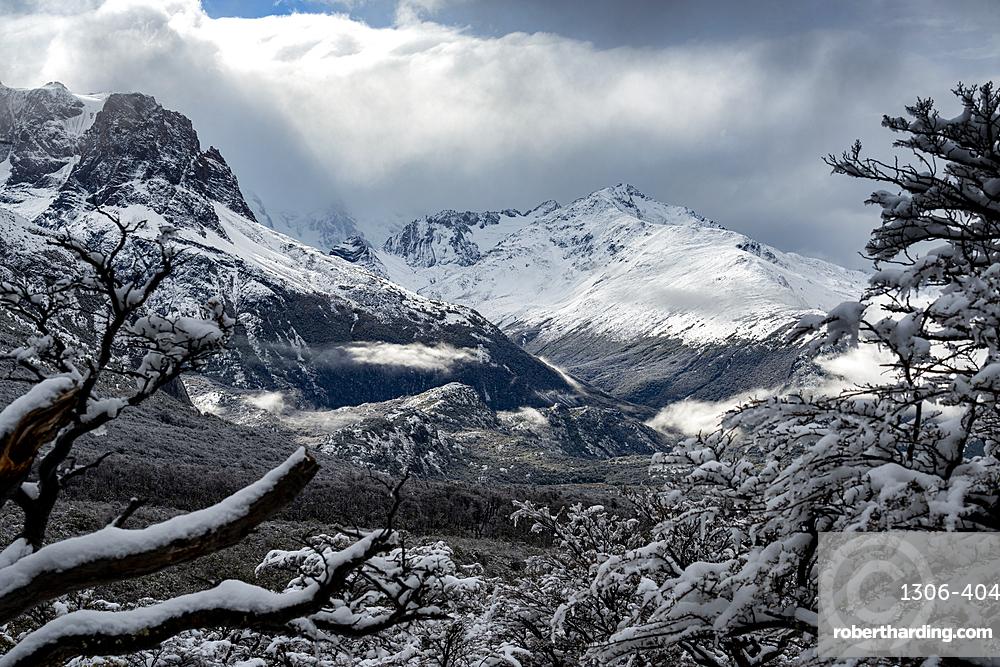 Winter scene at Piedras Blancas Glacier, Los Glaciares National Park, UNESCO World Heritage Site, El Chalten, Patagonia, Argentina, South America