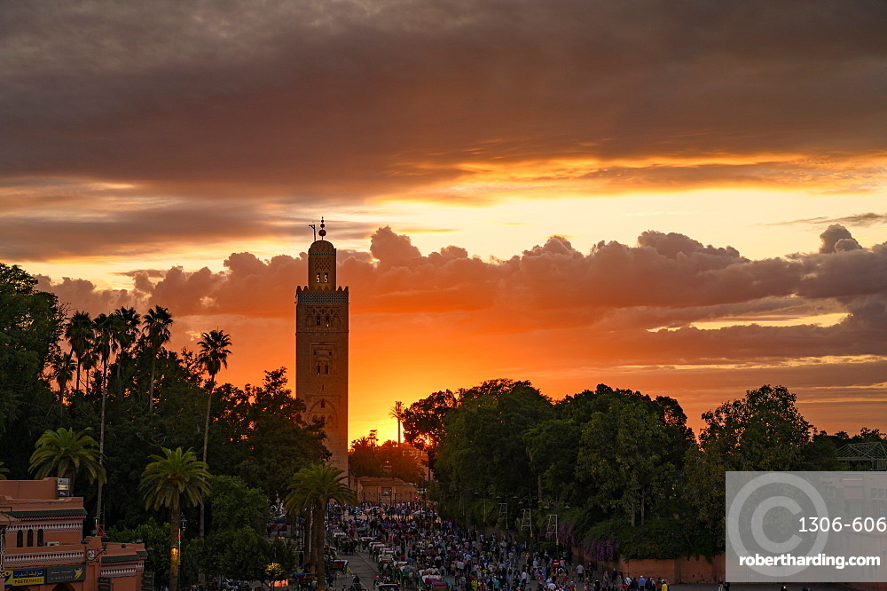 Sunset at Djemaa el Fna, Marrakech, Morocco, North Africa, Africa