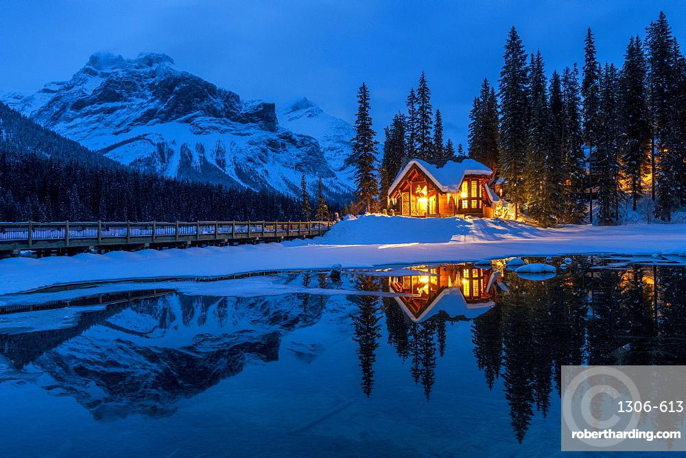 Cilantro on the Lake at Emerald Lake in winter, Emerald Lake, Yoho National Park, UNESCO World Heritage Site, British Columbia, Canadian Rockies, Canada, North America