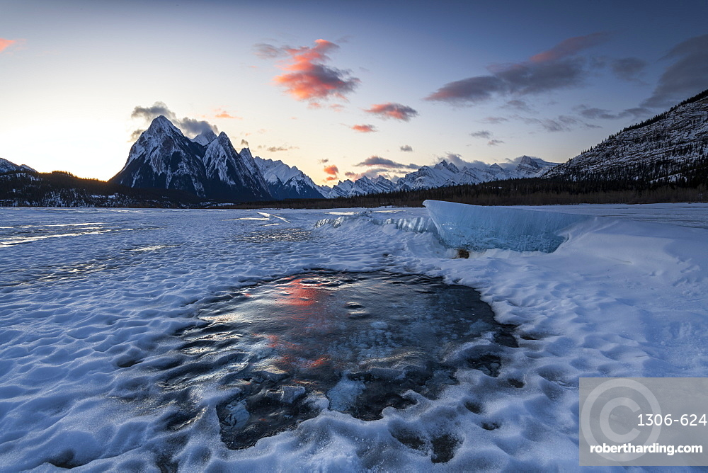 Winter sunrise at Lake Abraham at Preacher's Point, Kootenay Plains, Alberta, Canadian Rockies, Canada, North America