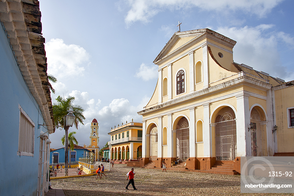 Street scene at Plaza Mayor and the heart of Trinidad, UNESCO World Heritage Site, Cuba, West Indies, Caribbean, Central America