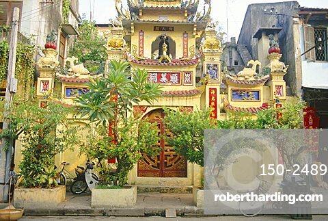 Old Quarter street scene, Hanoi, Vietnam