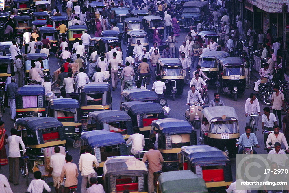 Traffic congestion, cyclists and auto-rickshaws, Ahmedabad, Gujarat State, India