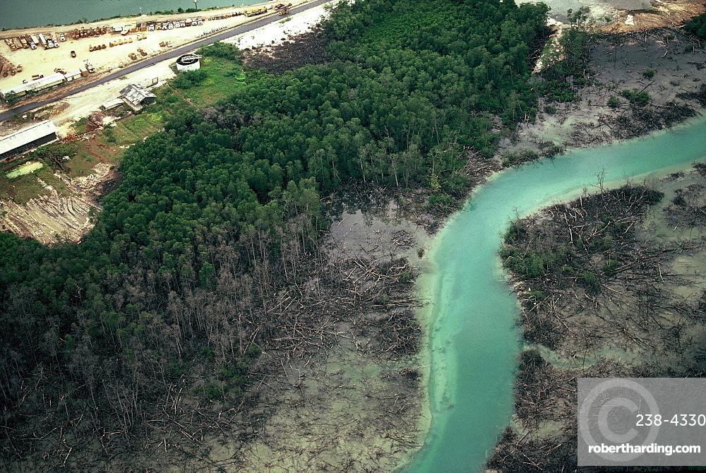 Pollution in Kalimantan, Island of Borneo, Indonesia, Southeast Asia, Asia