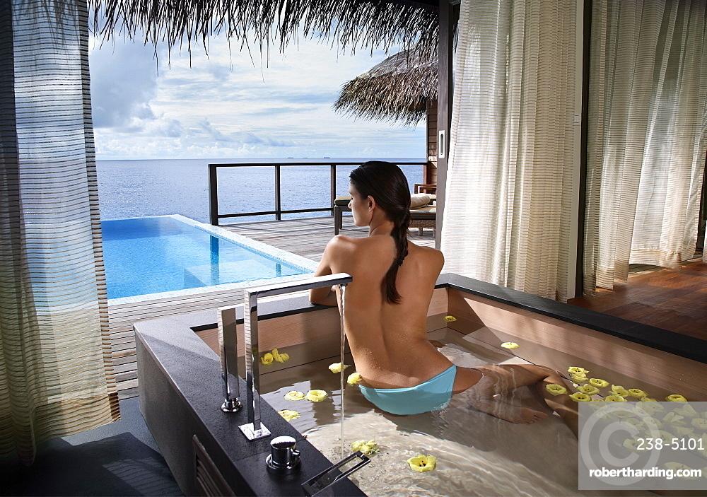 Bathtub at Escape Water Villa at Coco Palm Bodu Hithi Resort, Maldives, Indian Ocean, Asia