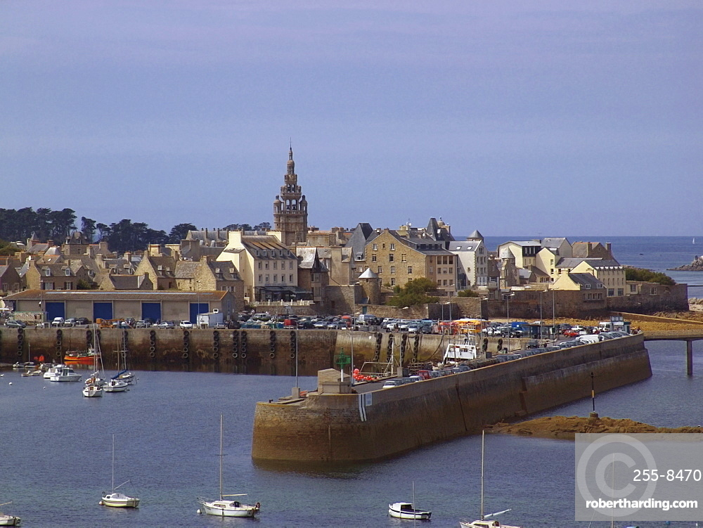 Port and harbour, Roscoff, Finistere, Brittany, France, Europe