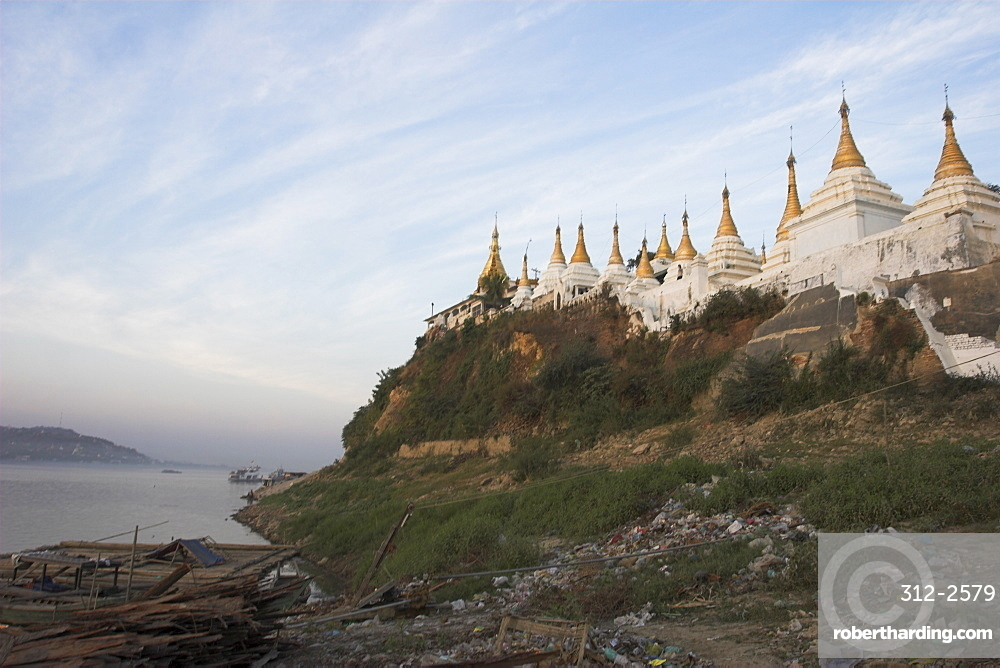 Shwe Kyet Kye Pagoda opposite Sagaing Hill, Mandalay, Myanmar (Burma), Asia