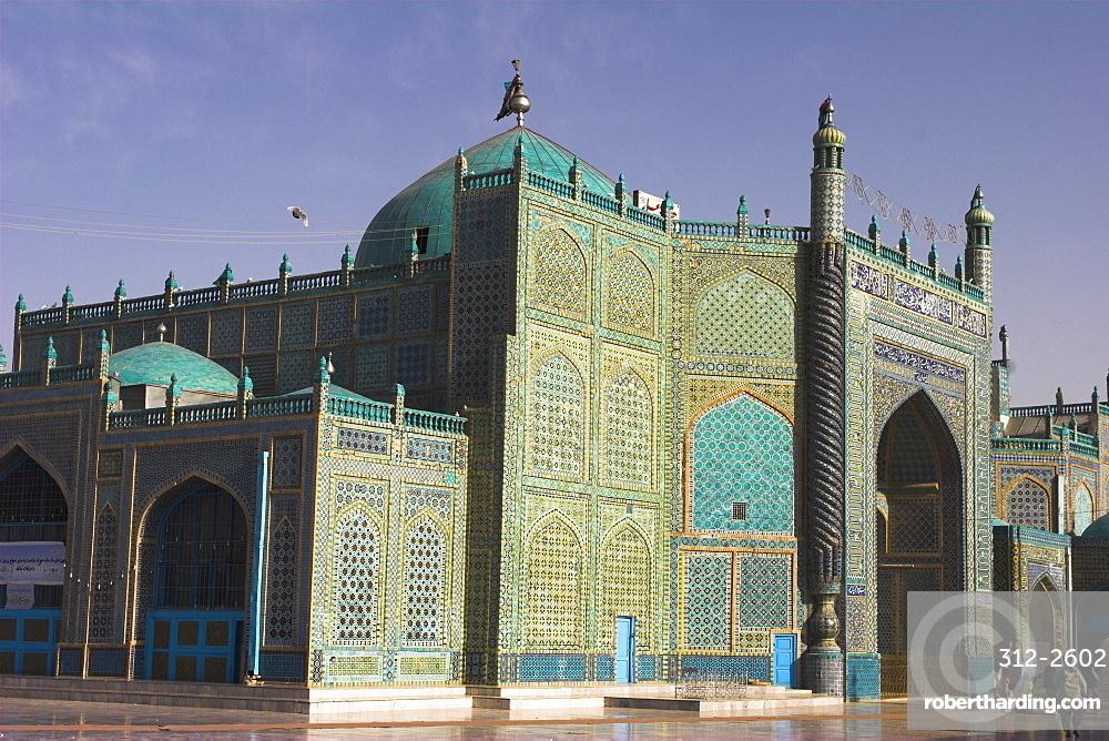 Shrine of Hazrat Ali, who was assassinated in 661, Mazar-I-Sharif, Afghanistan, Asia