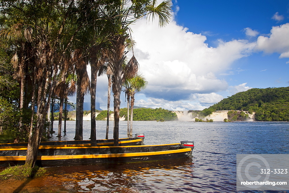 Waterfalls, Canaima Lagoon, Canaima National Park, UNESCO World Heritage Site, Guayana Highlands, Venezuela, South America