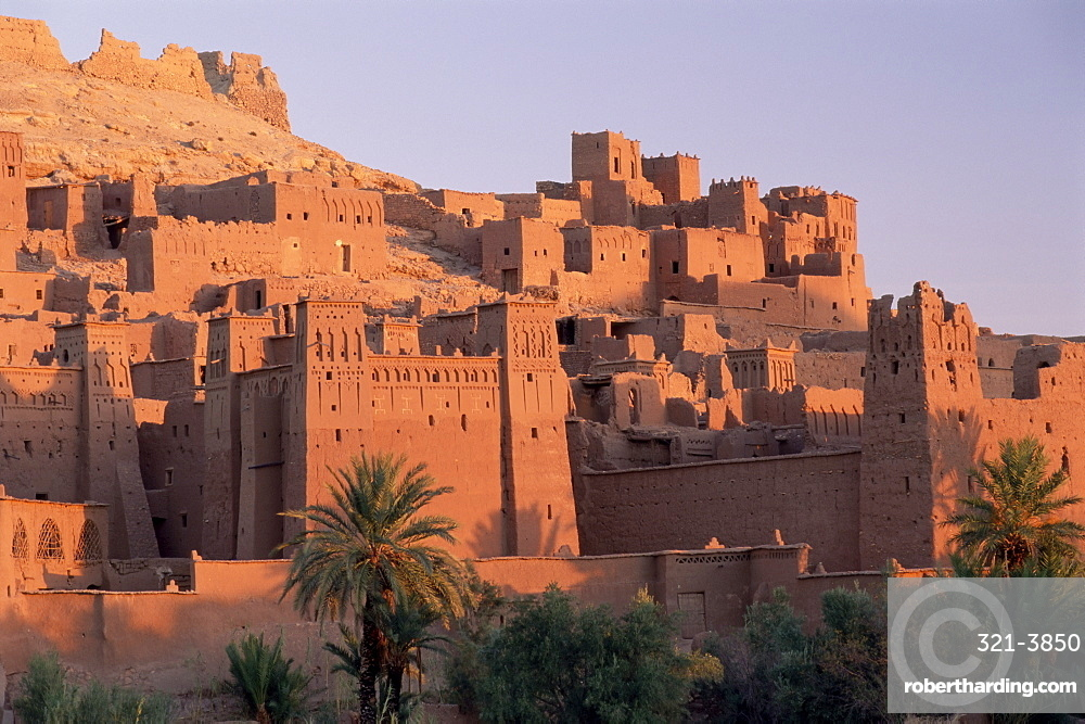 First light on fortified mud houses in the kasbah, Ait Benhaddou, UNESCO World Heritage Site, Ouarzazate, Morocco, North Africa, Africa