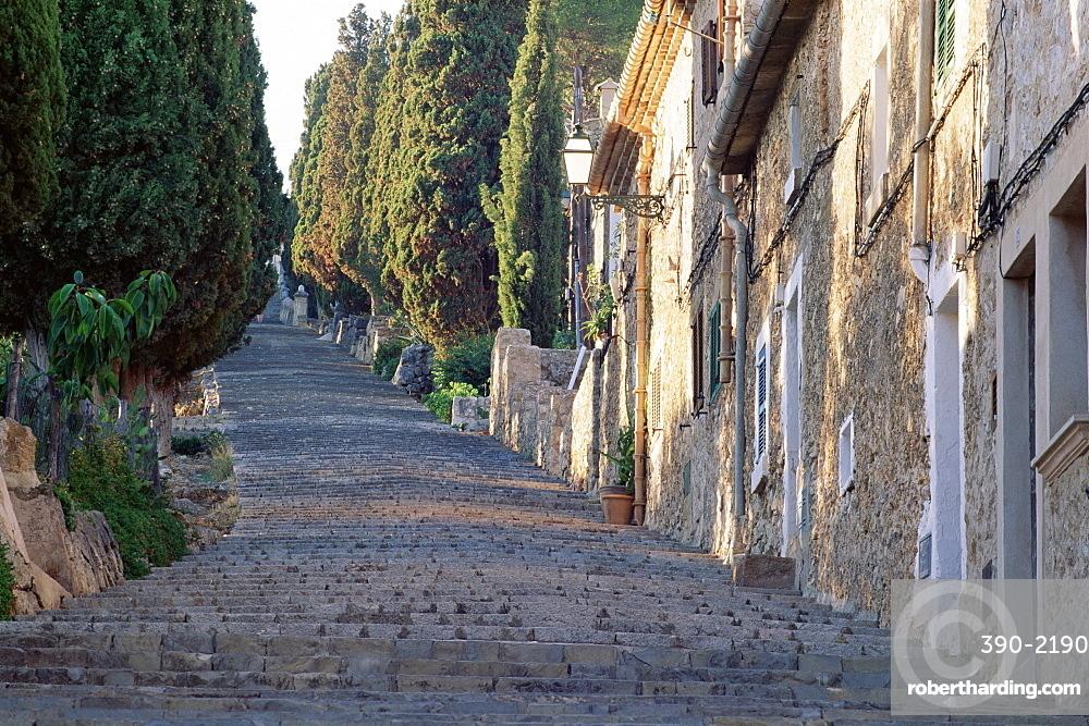 Cobbled steps leading to the calvary, Pollensa, Mallorca (Majorca), Balearic Islands, Spain, Europe