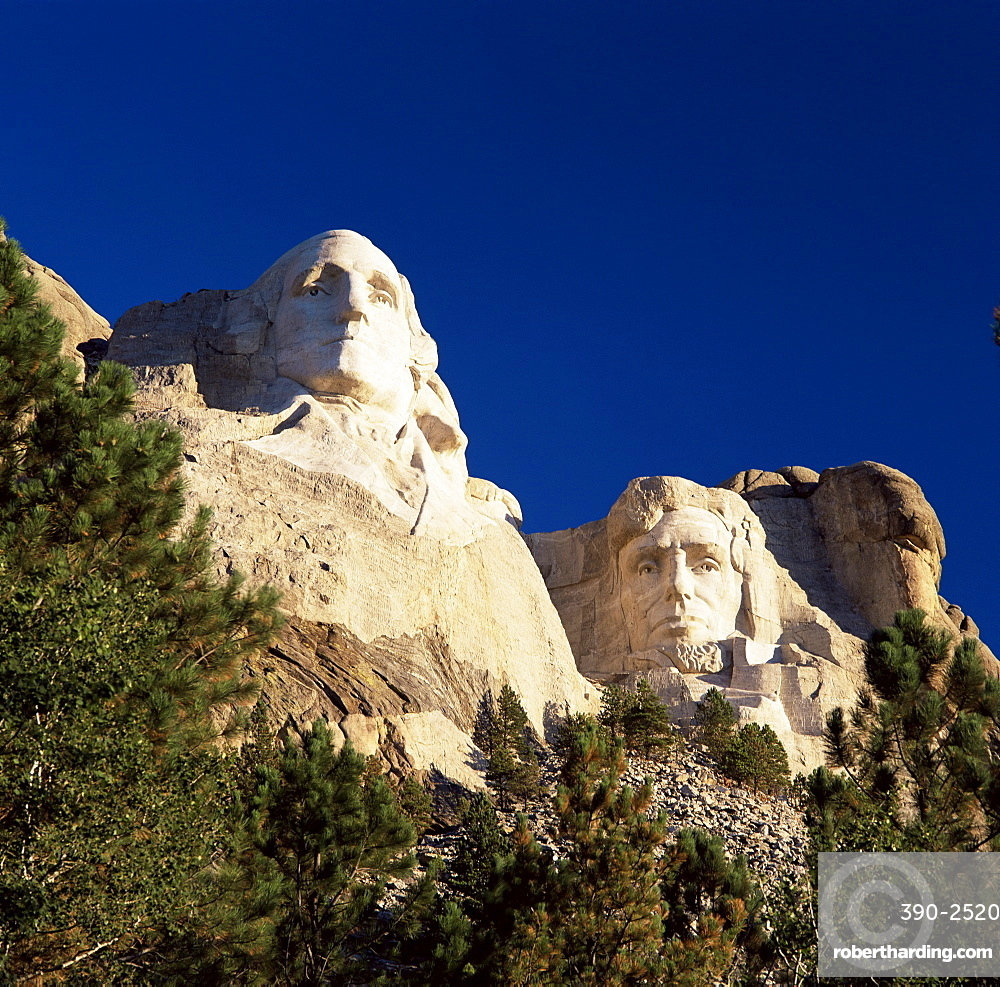 Heads of Presidents Washington and Lincoln, Mount Rushmore National Memorial, Black Hills, South Dakota, United States of America, North America