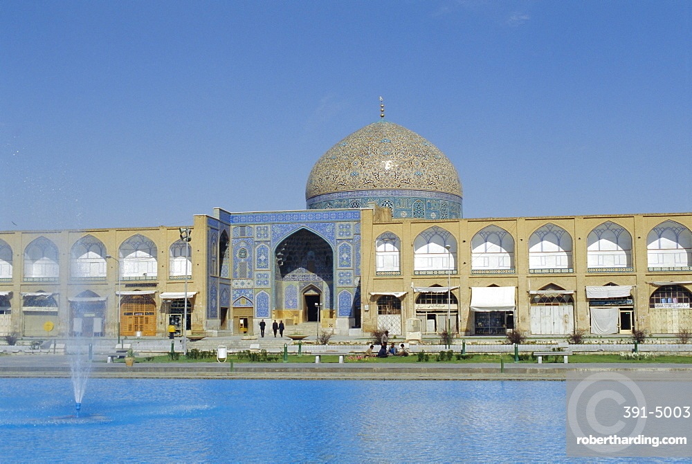 Lotfollah Mosque, Isfahan, Iran, Middle East