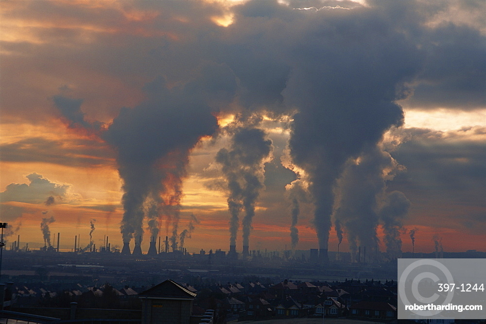 Pollution from the power stations and oil refineries, Grangemouth, Scotland, United Kingdom, Europe