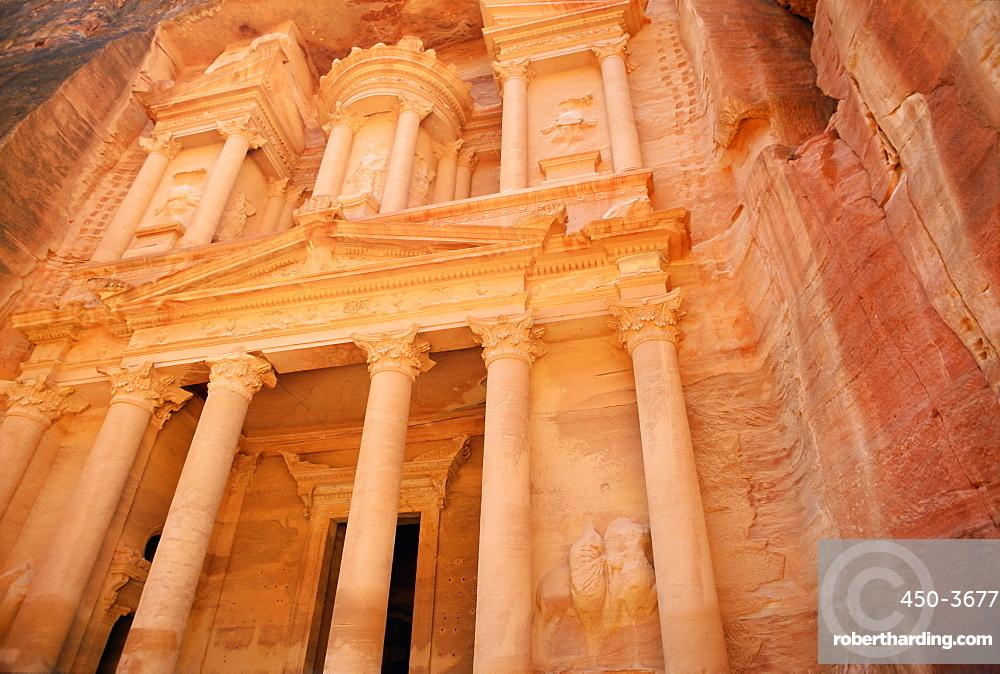 Facade of the Treasury (El Kazneh), Nabatean archaeological site, Petra, UNESCO World Heritage Site, Jordan, Middle East
