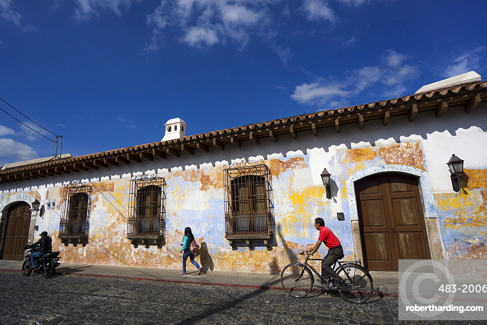 Typical street, Antigua, UNESCO World Heritage Site, Guatemala, Central America