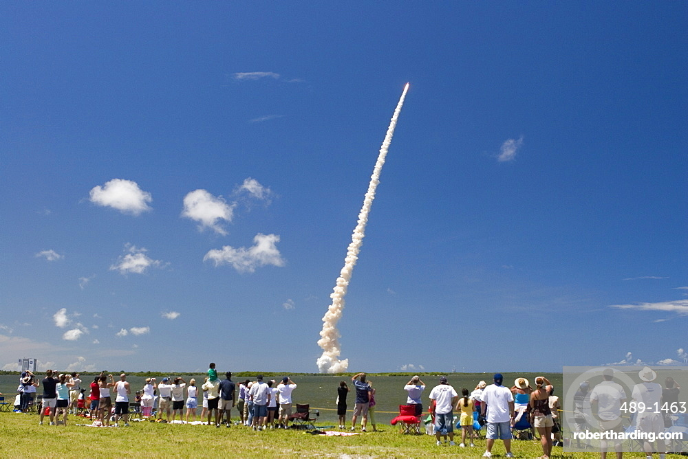 Crowds watch launch of Space Shuttle Discovery, July 4th 2006, from NASA Causeway, Cape Canaveral, Florida, United States of America, North America