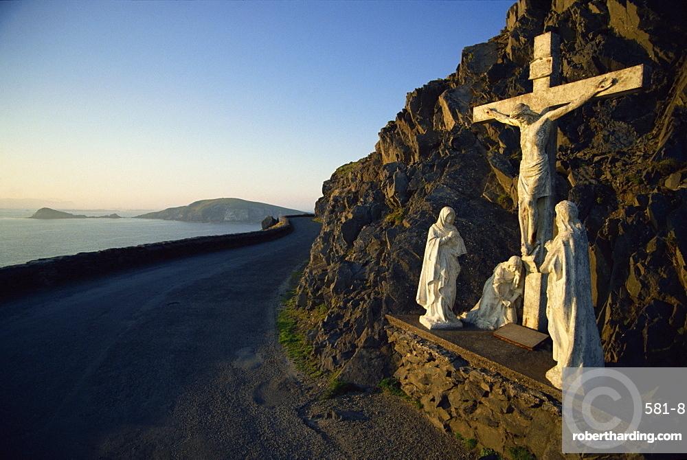 Calvary of Christ roadside shrine, Slea Head, County Kerry, Munster, Republic of Ireland, Europe