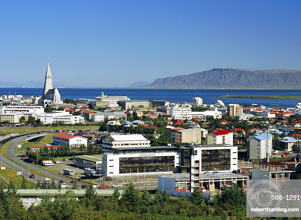 View from the Pearl (Perlan) facing north east towards the Hallgrimskirkja (Hallgrimsskirkja) which overlooks the city centre, Reykjavik, Iceland