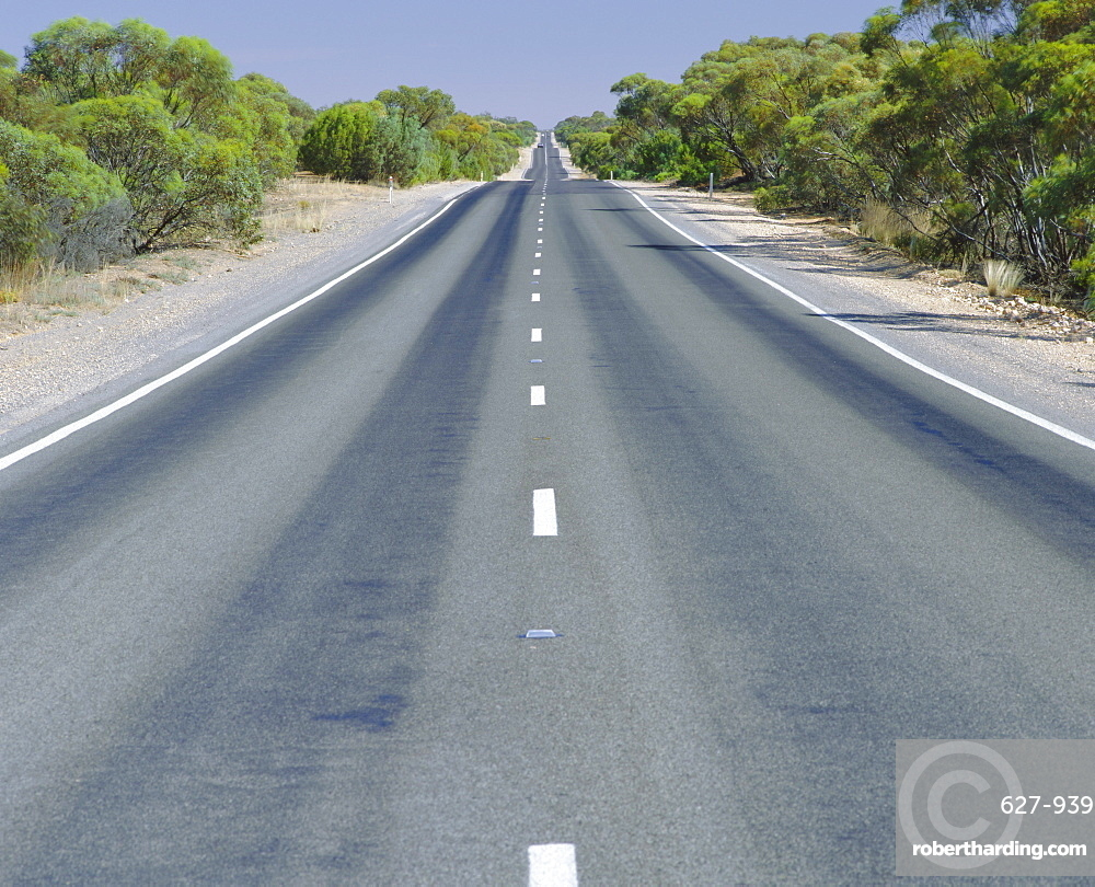 Long straight road, Hume highway, Victoria, Australia