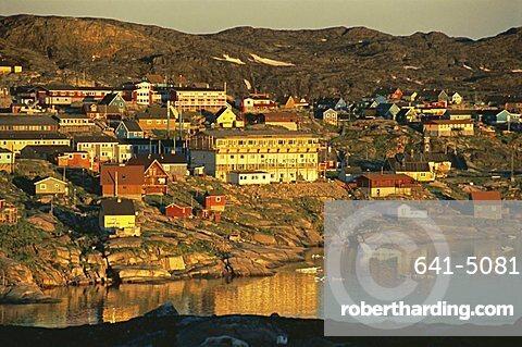 Town of Ilulissat at 2.30 am enjoying the midnight sun in summer, west coast, Greenland, Polar Regions