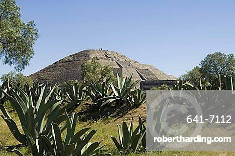 Pyramid of the Moon, Teotihuacan, 150AD to 600AD and later used by the Aztecs, UNESCO World Heritage Site, north of Mexico City, Mexico, North America