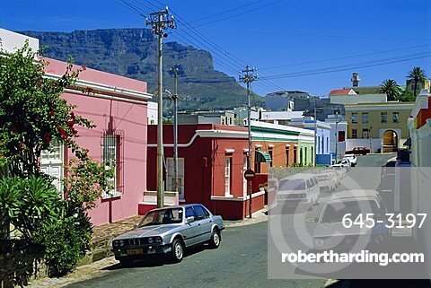 Bo-Kaap district (Malay Quarter) with Table Mountain behind, Cape Town, South Africa